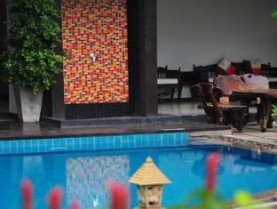 Patong Paradee Resort Phuket - Swimmingpool