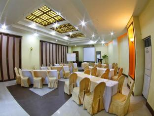 Sarrosa International Hotel and Residential Suites Cebu City - Dansesal