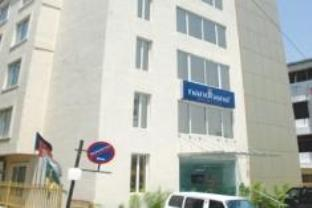 Nandhana Hometel - Hotel and accommodation in India in Bengaluru / Bangalore