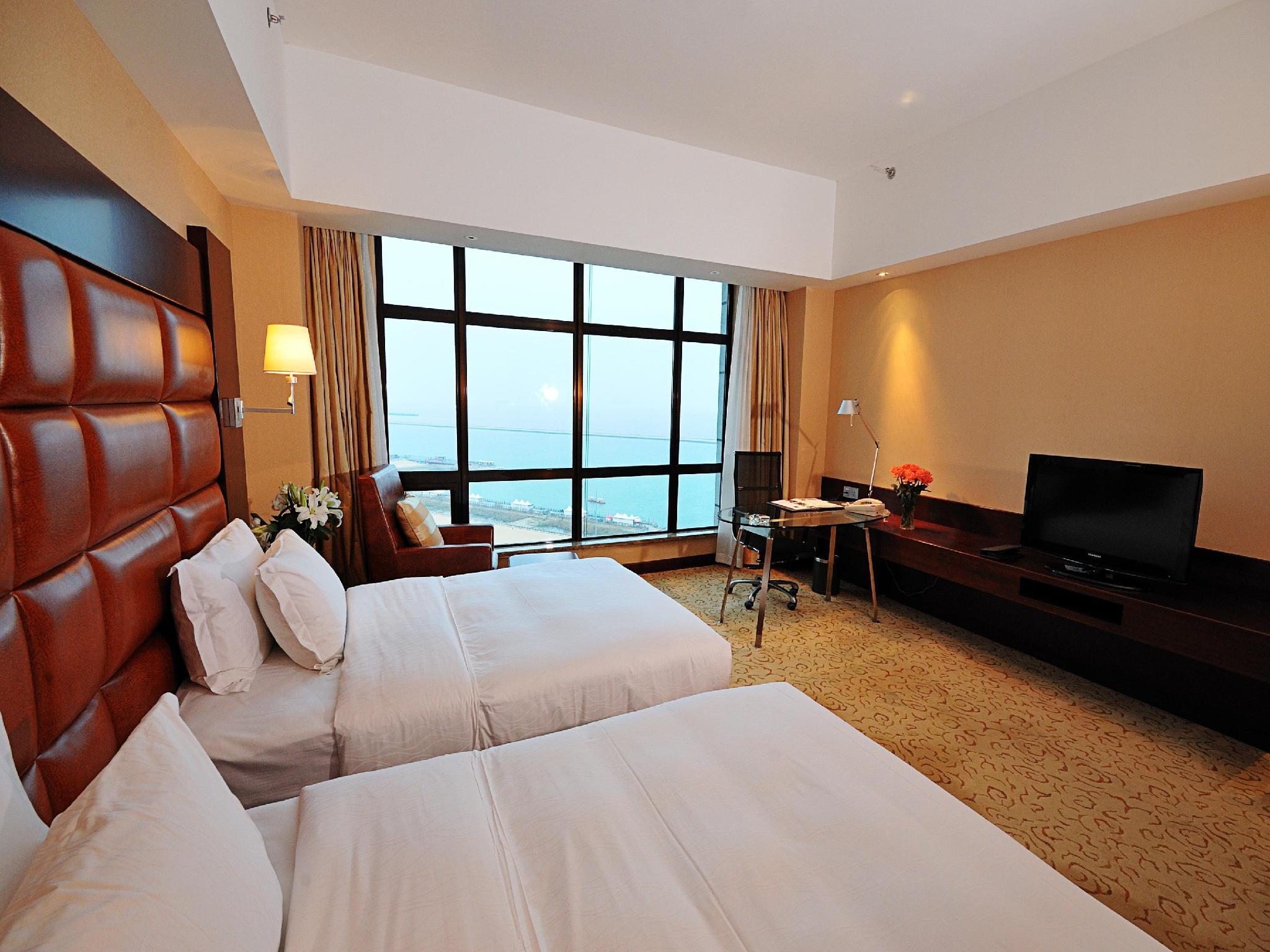 Luminous Modern Universe Apartment & Hotel