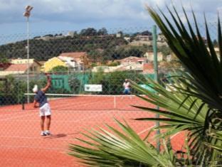 Hotel Capo Peloro Resort Torre Di Faro - Tennis Court