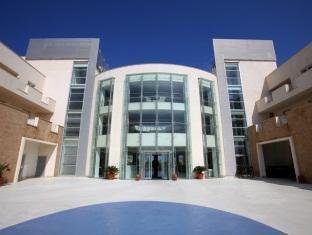 Hotel Capo Peloro Resort Torre Di Faro - Entrance