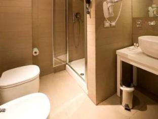 Hotel Capo Peloro Resort Torre Di Faro - Bathroom