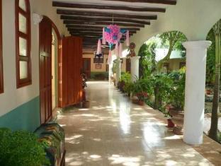 Hotel Boutique Casa Quetzal Valladolid - Hotellet från insidan