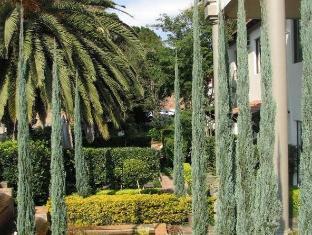 Constantia Manor