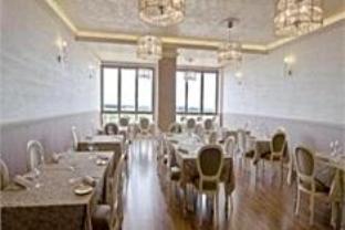 杜姆斯方塔纳餐馆酒店