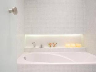 Hotel Porta Fira Barcelona - Bathroom
