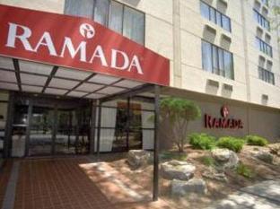Ramada East Orange Hotel Newark (NJ) - Entrance