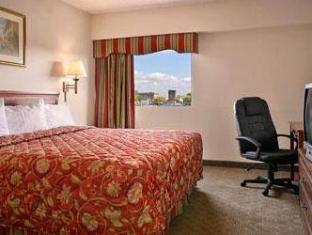 Ramada East Orange Hotel Newark (NJ) - Guest Room
