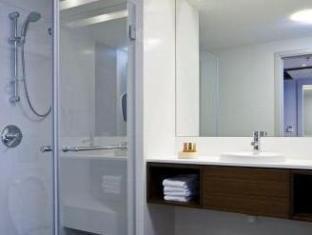 Sadot Hotel - An Atlas Boutique Hotel Assaf Harofeh - Bathroom