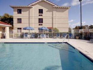 Extended Stay Deluxe Melbourne Airport Hotel Melbourne (FL) - Swimming Pool