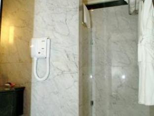 Ramada Fes Hotel Fes - Bathroom
