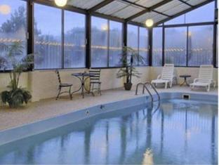 Travelodge Colorado Springs Hotel Colorado Springs (CO) - Swimming Pool
