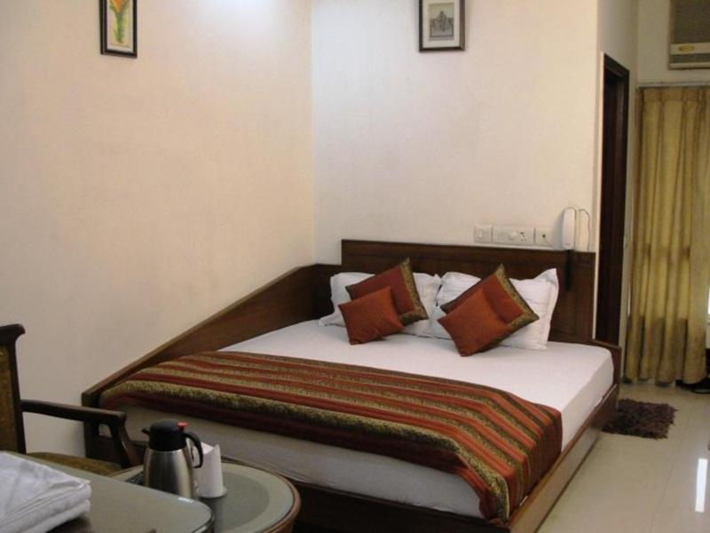 Chanchal Deluxe Hotel - Hotell och Boende i Indien i New Delhi And NCR