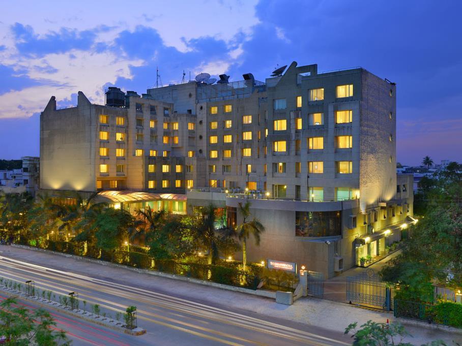 The Gateway Hotel Akota Gardens Vadodara - Hotell och Boende i Indien i Vadodara