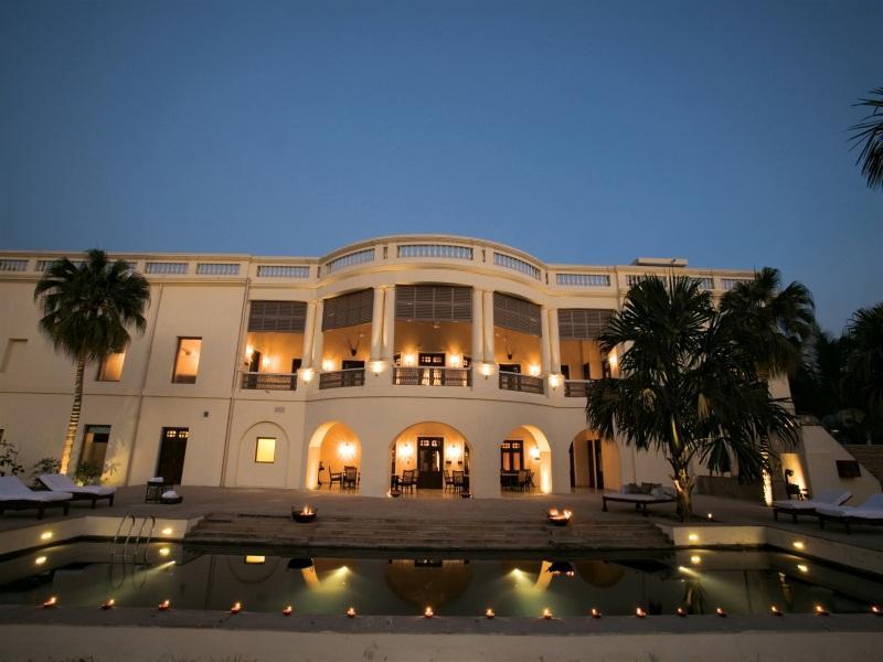 Nadesar Palace Hotel - Hotell och Boende i Indien i Varanasi