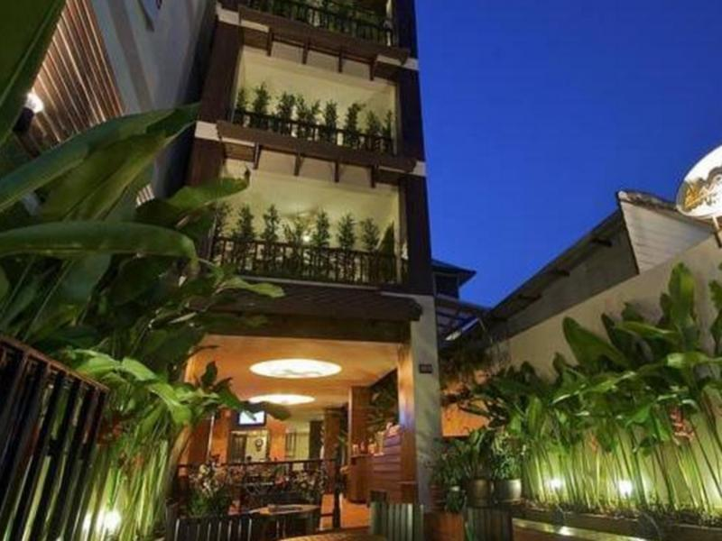 Anoma boutique house old city chiang mai thailand for Classic house chiang mai