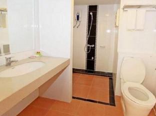 Convenient Grand Hotel Bangkok - Bathroom