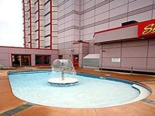 Travelodge Hotel By The Falls Niagara Falls (ON) - Swimming Pool