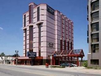 Travelodge Hotel By The Falls Niagara Falls (ON) - Exterior