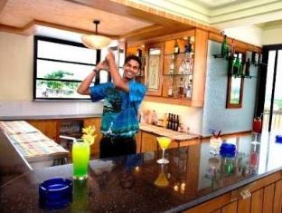 Palmarinha Resort North Goa - Pub/Lounge