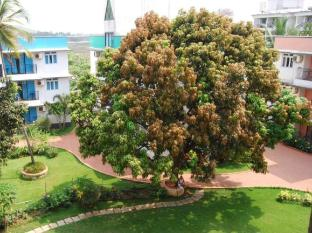Palmarinha Resort North Goa - Garden