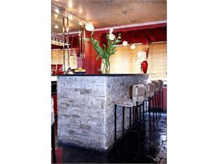 40 Winks Sea Point Lodge Hotel Кейптаун - Паб.
