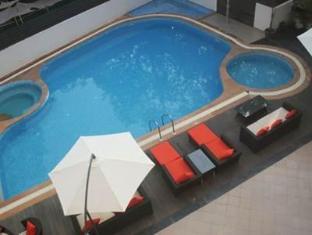 Hotel Meraden La Oasis by the Verda Nord Goa - Svømmebasseng