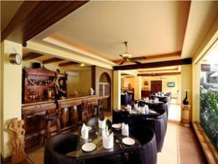Hotel Meraden La Oasis North Goa - Food, drink and entertainment