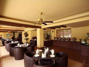 Hotel Meraden La Oasis by the Verda Nord Goa - Restaurant