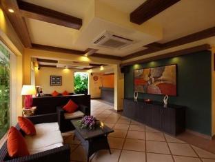 Hotel Meraden La Oasis by the Verda Norra Goa - Lobby