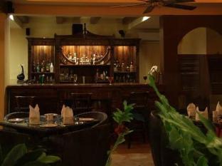 Hotel Meraden La Oasis by the Verda Nord Goa - Pub/salong