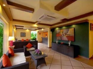 Hotel Meraden La Oasis by the Verda Norra Goa - Hotellet från insidan