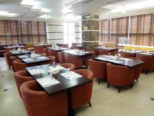 London Crown Hotel Dubai - Food, drink and entertainment