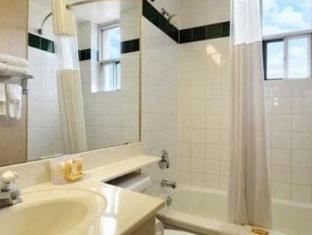 Howard Johnson Toronto West Lakeshore Hotel Toronto (ON) - Badezimmer