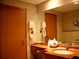 Cassells Hotel Apartments Abu Dhabi - Bathroom