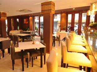 Hemingway's Hotel Phuket - Restoran