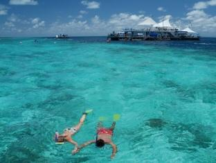 Hamilton Island Palm Bungalows Whitsundays - Snorkeling the Great Barrier Reef