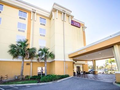 Comfort Suites Orlando Airport Hotel