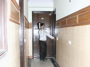 The Le Grand Hotel New Delhi and NCR - Corridor
