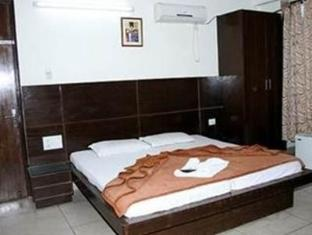 The Le Grand Hotel New Delhi and NCR - Guest Room