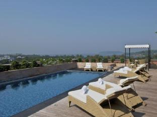 Vivanta by Taj Panaji Hotel North Goa - Swimming Pool