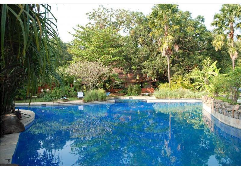 Laguna Anjuna Hotel - Hotell och Boende i Indien i Goa