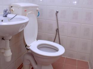 Hotel Alamanda Petaling Street Kuala Lumpur - Bathroom