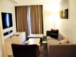 Oakwood Apartments Trilliant Sukhumvit 18 Bangkok - Two Bedroom Suite - Living Room