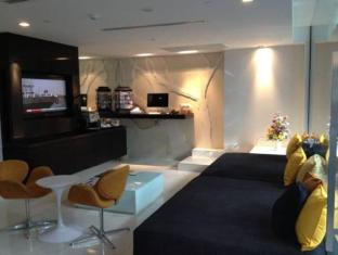 Oakwood Apartments Trilliant Sukhumvit 18 Bangkok - Suite Room