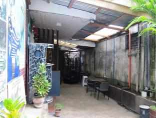 Cebu Guest House סבו - בית המלון מבחוץ