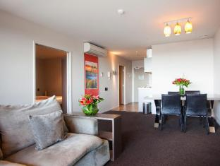Celestion Waldorf Apartments Auckland - Living Area