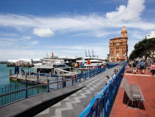 Celestion Waldorf Apartments Auckland - 10 minute walk to the Viaduct Harbour