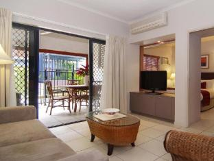 Southern Cross Atrium Apartments Cairns - Deluxe 2 Bedroom Apartment